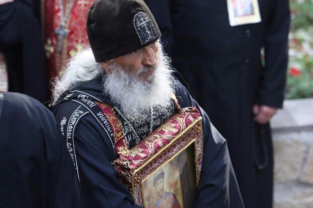 «Захвативший» монастырь схиигумен предложил патриарху сложить полномочия