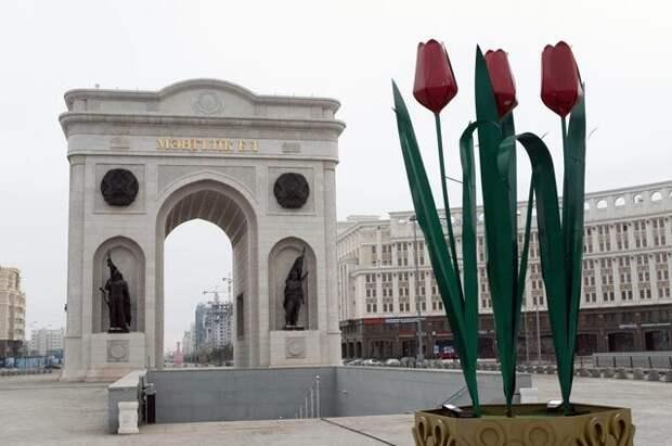 Триумфальная арка в Нур-Султане.