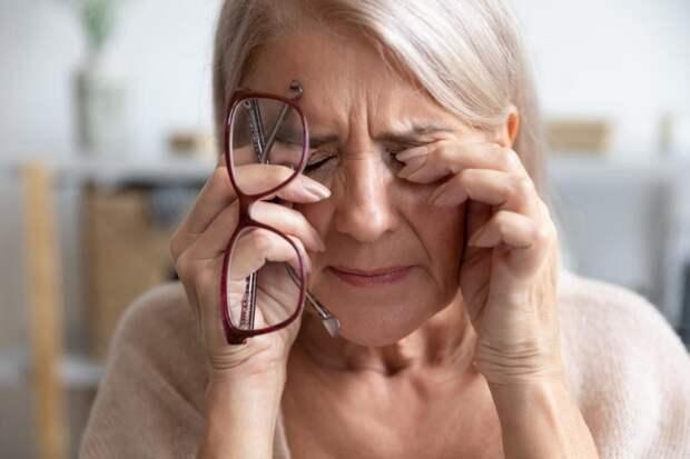 Сорвали мать с работы, чтобы сидела с внучкой, а через месяц наняли няню: «Дешевле выйдет!»