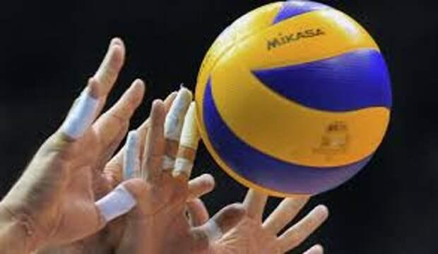 Первый матч – комом. Российские волейболисты сенсационно уступили туркам в стартовом матче Евро