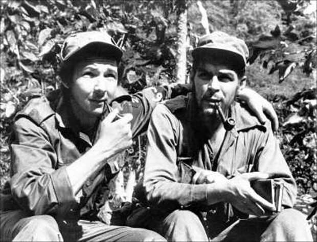 Рауль Кастро и ЧеГевара.