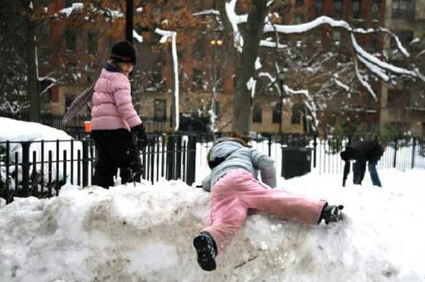 """""""Так бывает"""": забытый на прогулке ребенок замерз насмерть в детсаду в Москве"""