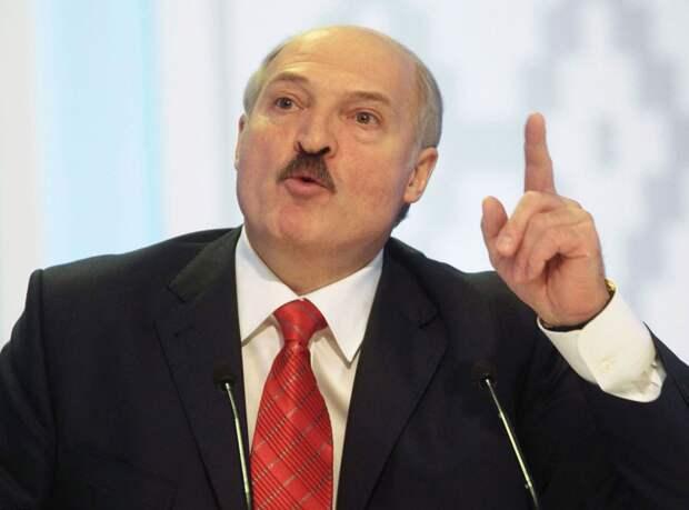 Лукашенко готов провести досрочные выборы, но параллельно с американцами