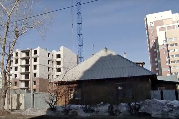 В Барнауле застройщик угрожал распилить дом у несогласной на продажу жилья женщины