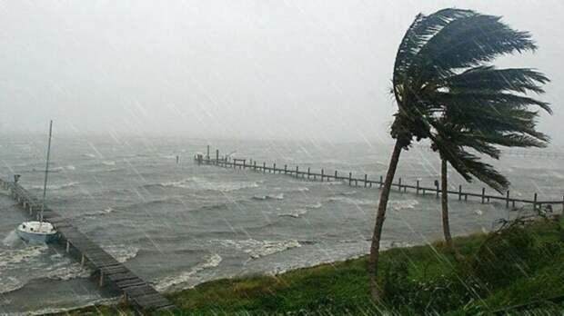 Тропические ливни не только очень сильные, но и затяжные / Фото: ua.112.ua
