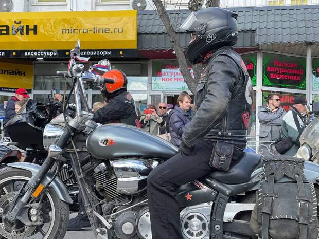 В Симферополе стартовал мотопробег мотоклуба «Ночные волки» в честь годовщины воссоединения Крыма с Россией