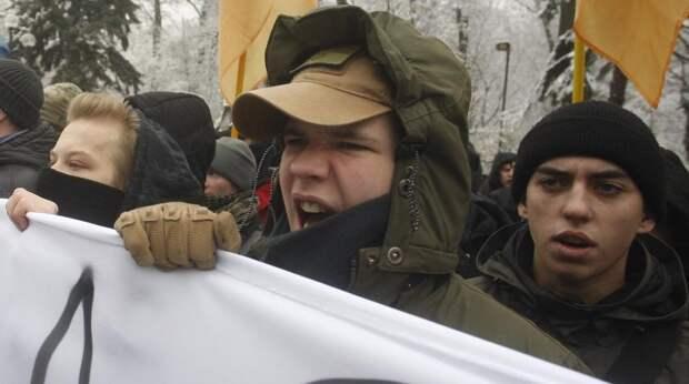 Это конец :  Украинцы кинулись скупать соль и спички