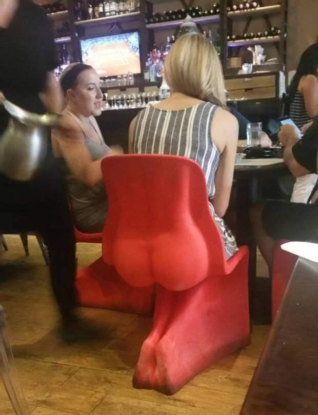 Стул в баре