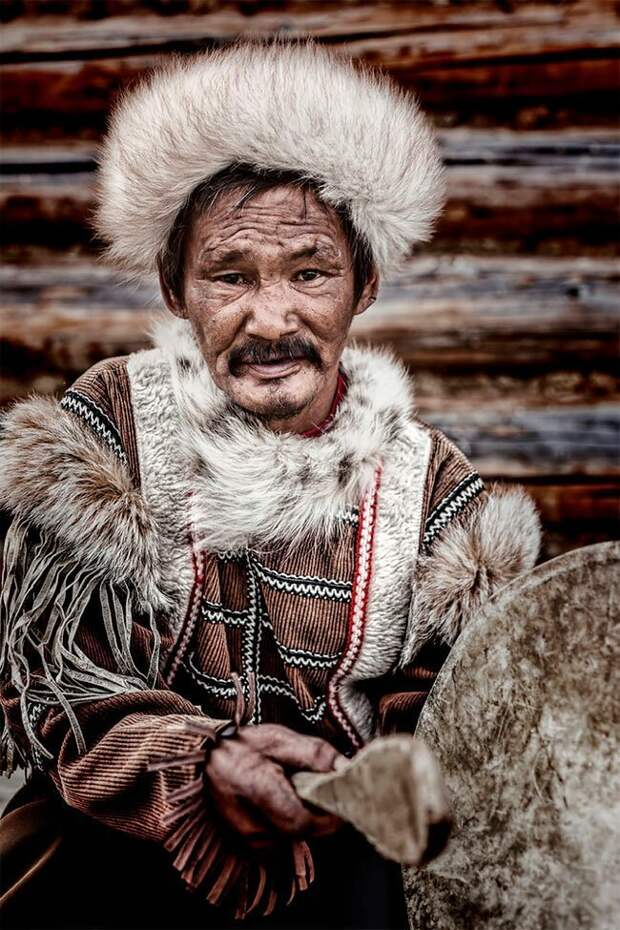 «Сибирь в лицах»: коренные сибирские народы в проекте Александра Химушина