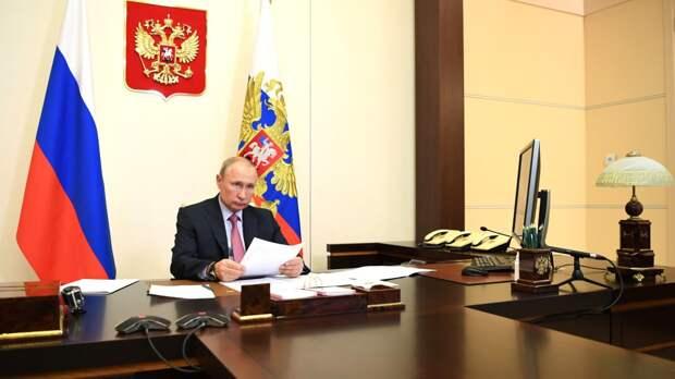 """Путин заподозрил НАТО в подготовке """"войны"""" в киберпространстве"""