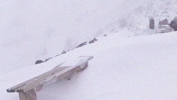 На Эльбрусе спасатели не смогли забрать тела погибших из-за плохой погоды