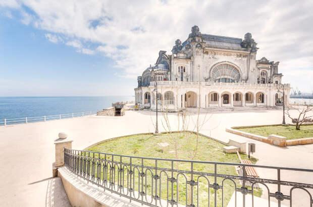 Заброшенное казино на Черном море