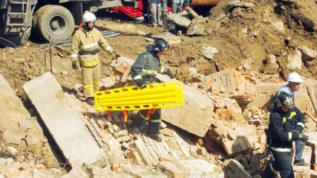 В Новосибирске из-под завалов обрушившегося дома извлечён один рабочий