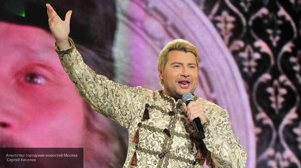 Басков поразил гостей на юбилее Галкина зажигательным танцем