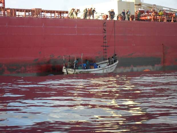 Спасание танкера «МГУ» после его захвата сомалийскими пиратами