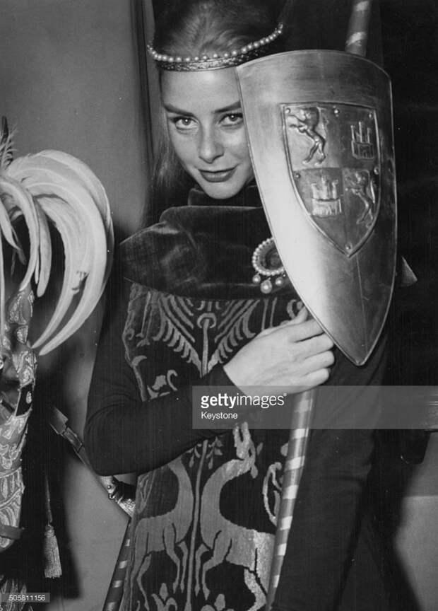 Французские актрисы: Женевьев Паж.