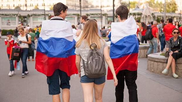 Гордящиеся гражданством россияне оказались счастливее стыдящихся