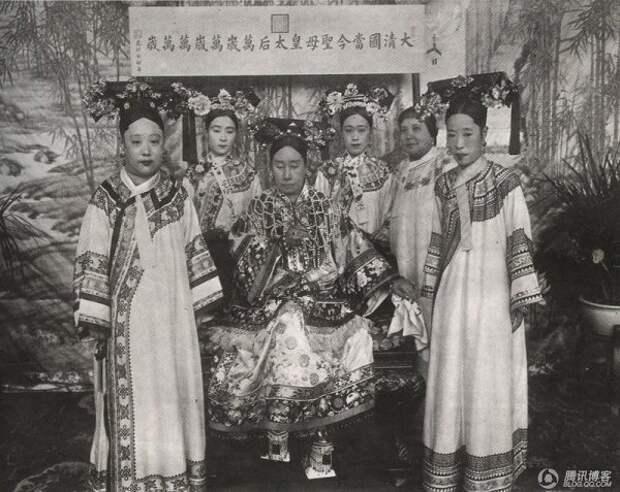 Гаремы Поднебесной: иерархия, секс позаписи идругие «китайские церемонии»
