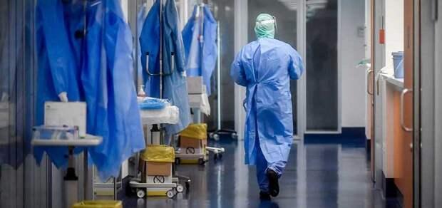 «Хоть домой забирайте лечить»: Украина осталась без койко-мест и тестов в разгар пандемии