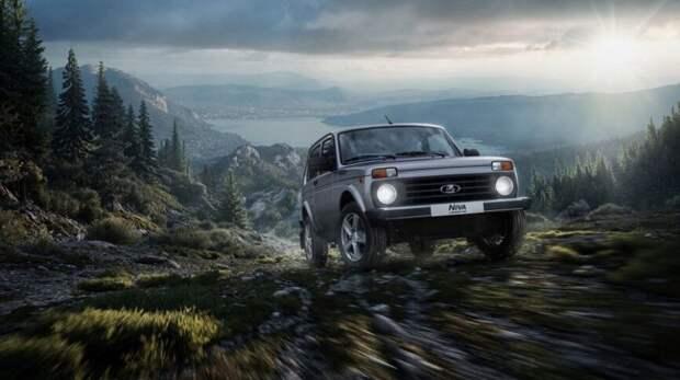 Рекордный спрос на Lada Niva объяснили доступной ценой и надежностью