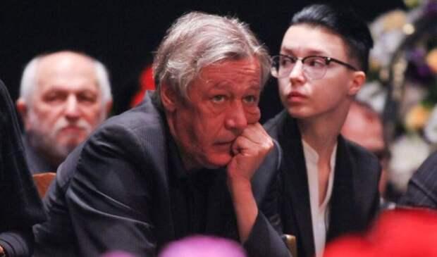 Ефремов пожаловался на отсутствие возможности пить «как раньше»