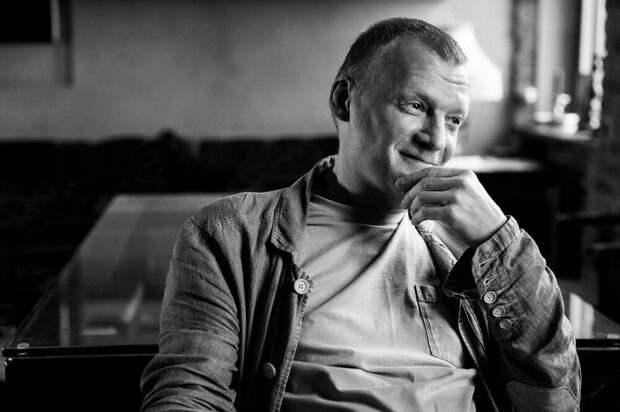 Алексей Серебряков рассказал о своём возвращении из Канады в Россию