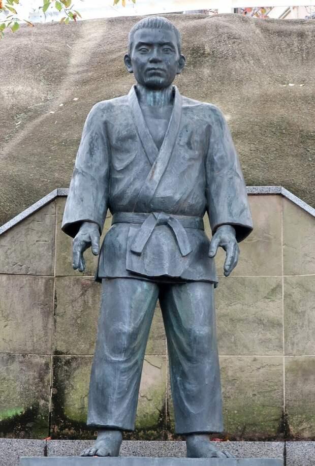 Памятник Сиро Сайго в Японии.