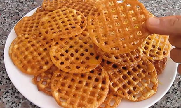 Медовое печенье-сетка: для теста нужны только мука и одно яйцо
