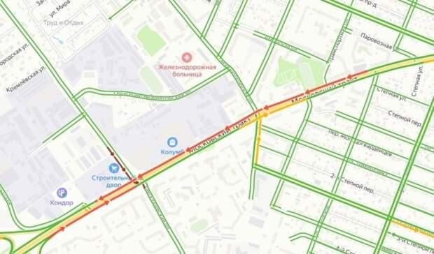 Один сломавшийся светофор собрал крупную пробку на Московском тракте в Тюмени