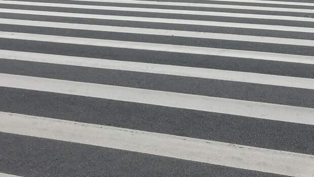 Машина сбила двух несовершеннолетних на пешеходном переходе в Брянской области