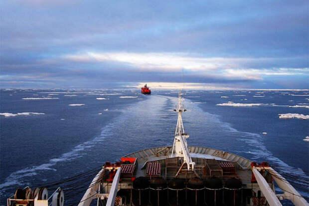 Росатом опасается нехватки ледоколов в Арктике