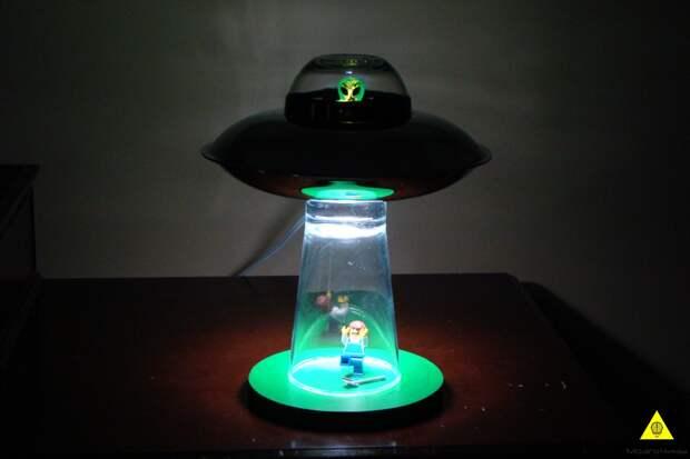 Светильник «Инопланетное похищение» своими руками