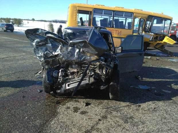 Один человек погиб в ДТП с автобусом в Удмуртии