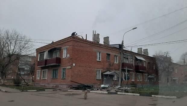 Кровлю дома в поселке Подольска начали капитально ремонтировать