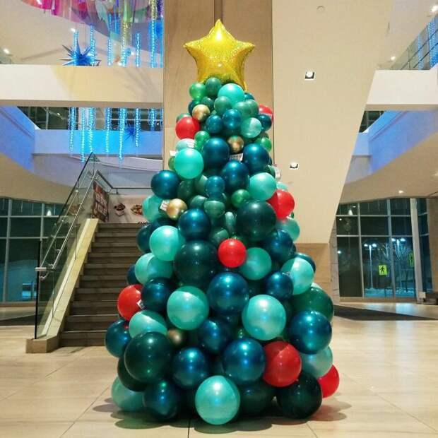 Такая елочка смотрится по-настоящему празднично и необычно. /Фото: i.pinimg.com
