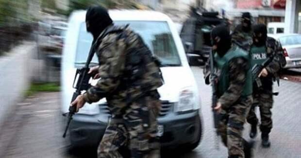 """СМИ: В Турции задержали """"правую руку"""" главаря ИГ Абу Бакра аль-Багдади"""