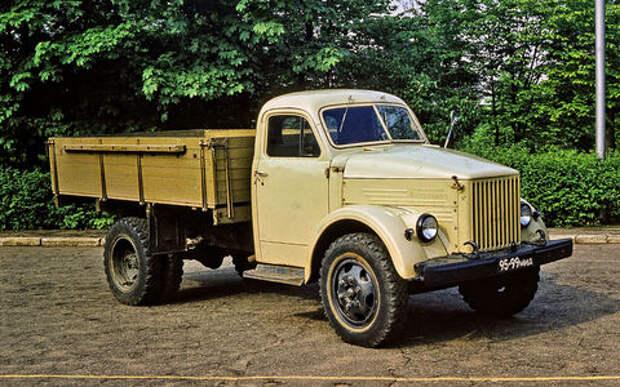 Старые знакомые –  дюжина самых массовых грузовиков СССР