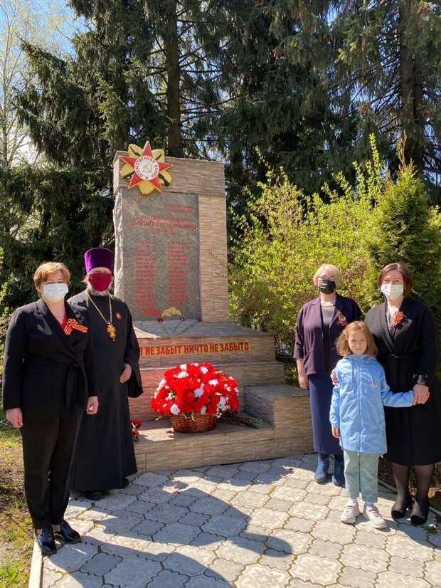 В преддверии 9 мая в Северном возложили цветы к расположенным в районе памятникам