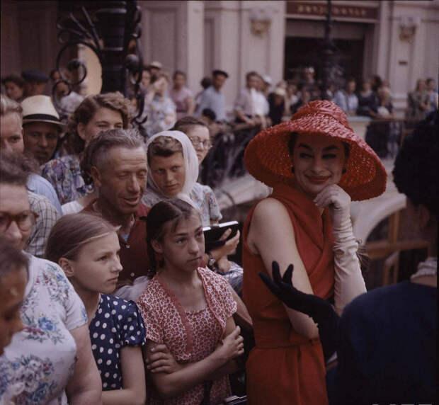 Ватники и мода. Christian Dior в СССР.