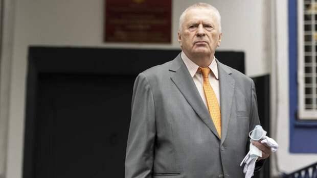 Лидер ЛДПР Жириновский привился от коронавируса шесть раз