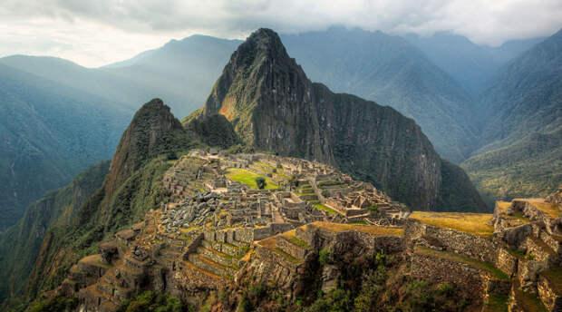 10 городов, которые растоптали и уничтожили туристы