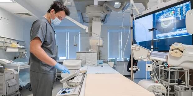 Собянин: ровно год назад первых пациентов принял госпиталь в Вороновском