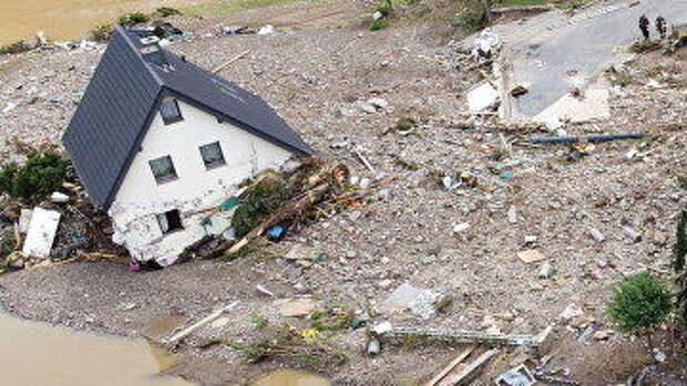 «Наверняка это Китай или Россия опять виноваты». Китайцы обсуждают наводнение в Германии