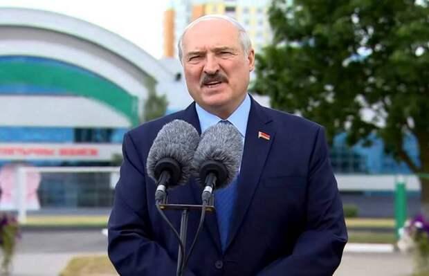 Подготовка аншлюса? Зачем Лукашенко спешно закрыл границу с Европой
