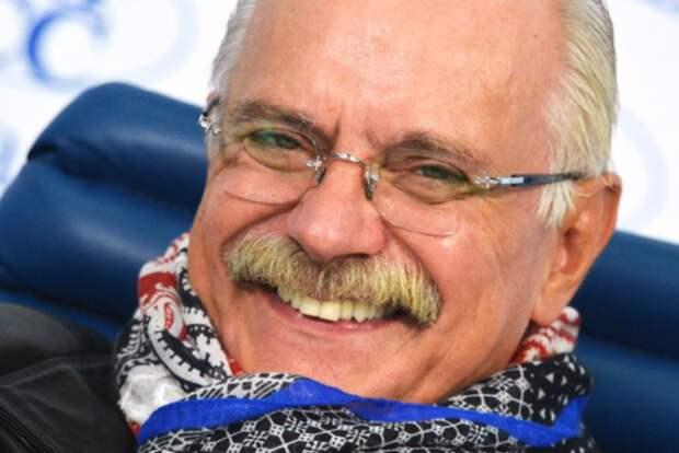Михалков предложил лишать гражданства запризывы кантироссийским санкциям