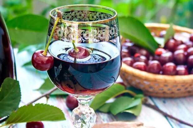 Домашняя настойка из вишни на водке -изысканный напиток на все времена