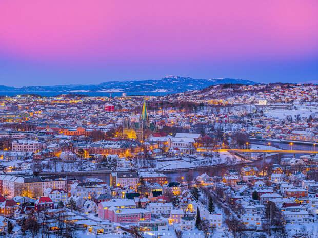 Trondheim In a beautiful Winter Mood by Aziz Nasuti on 500px.com