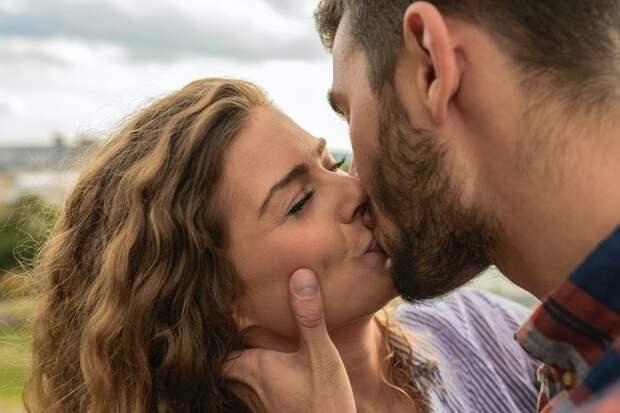Как целоваться по-французски: 7 шагов к успеху