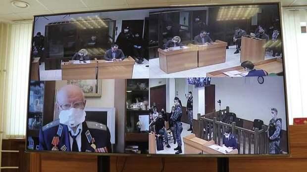 Вы удивитесь, кем оказался ветеран, на которого накинулся Навальный