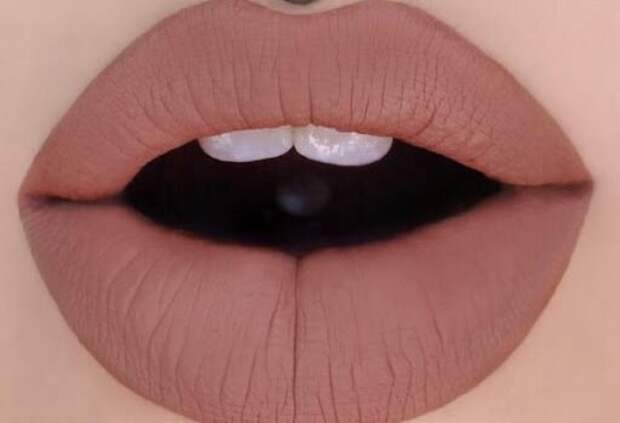 4 совета, как наносить матовую помаду, чтобы она не сушила губы